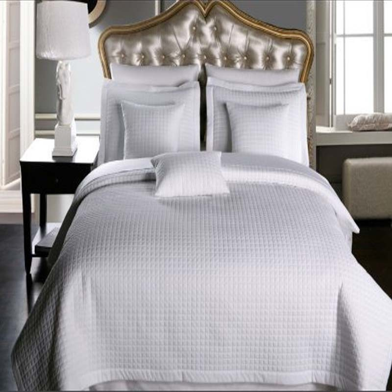 Hotel Sell Home/Hotel Checkered Quilt Microfiber Coverlet (DPF1074)
