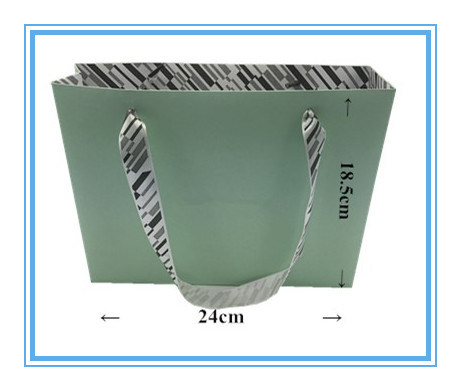 OEM Comstom Paper Bag with Silk Ribbon