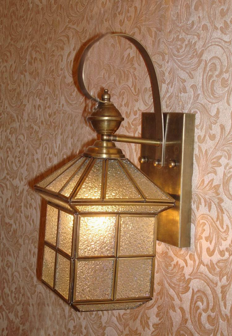 19026 Copper Wall Lamp with Glass Decorative