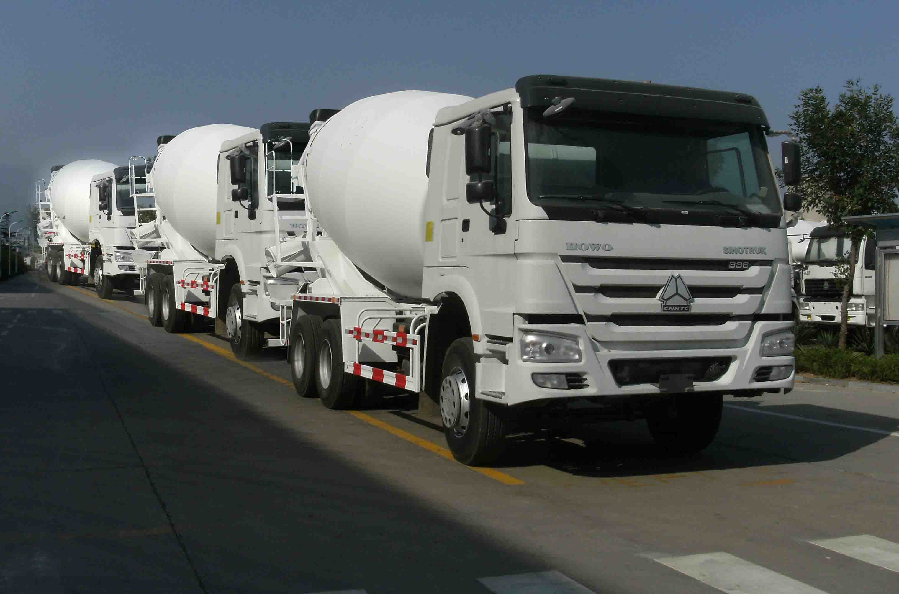 Sinotruk HOWO 6X4 8CBM/ 10CBM / 12CBM Cement Concrete Mixer Truck