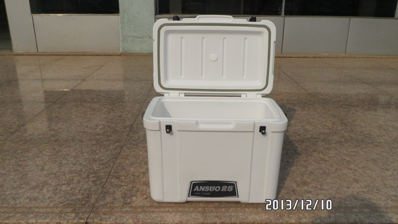 25 Liter Ice Cube Cooler for Soft Can