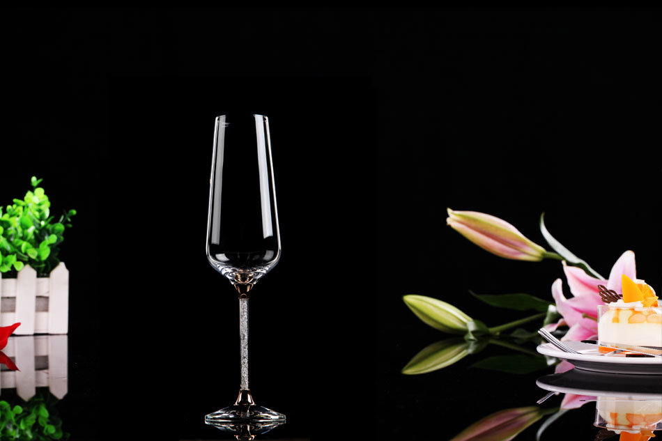 Decorated Fantastic Crystal Red Wine Glass (B-WG069)