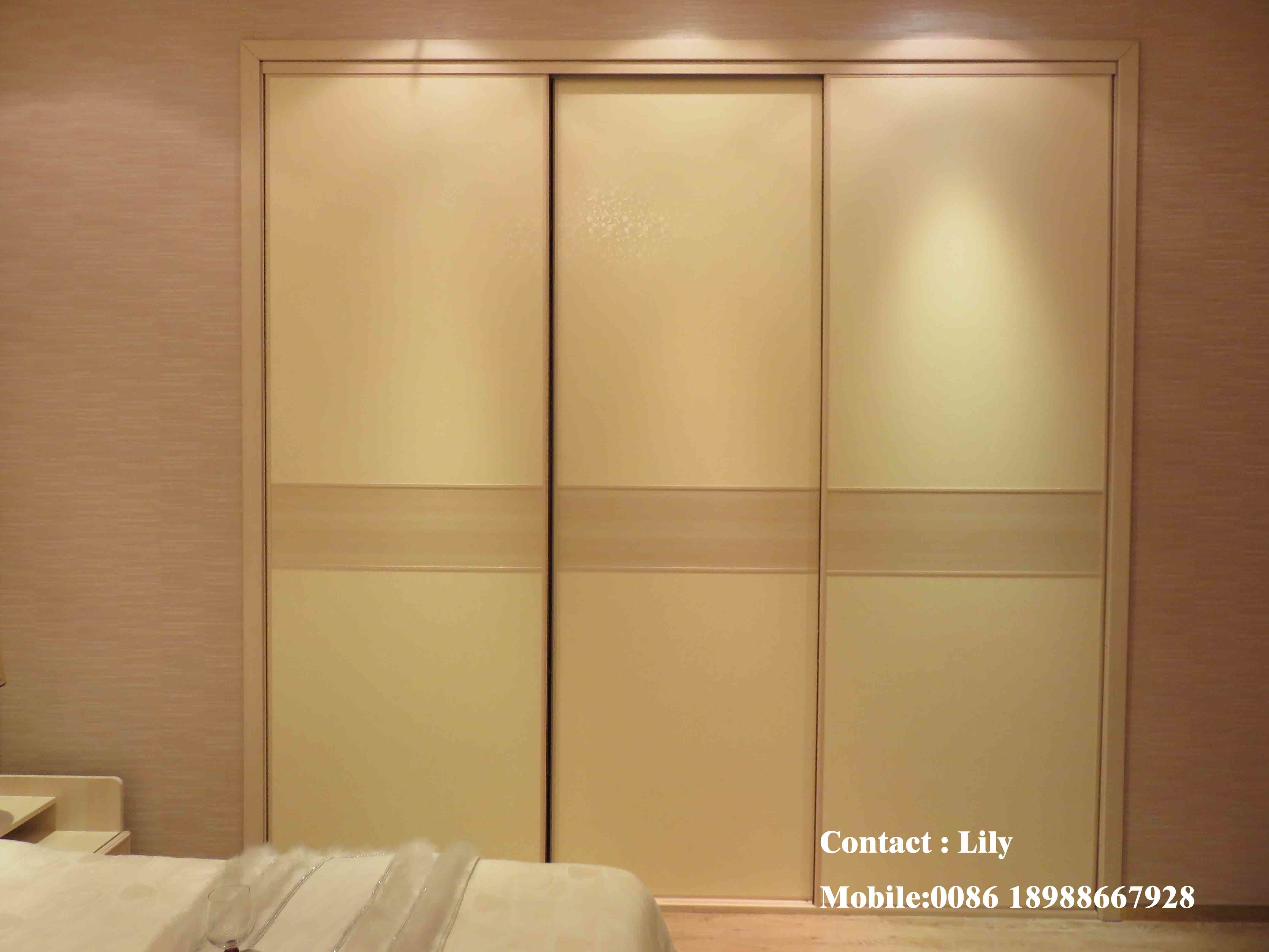 Classic European Style PVC Open Door Wardrobe (ZH089)