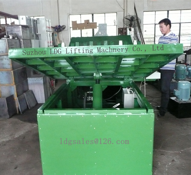 Warehouse Stationary Hydraulic Scisoor Lift Table with Tiltable Platform (SJG0.4-0.7)