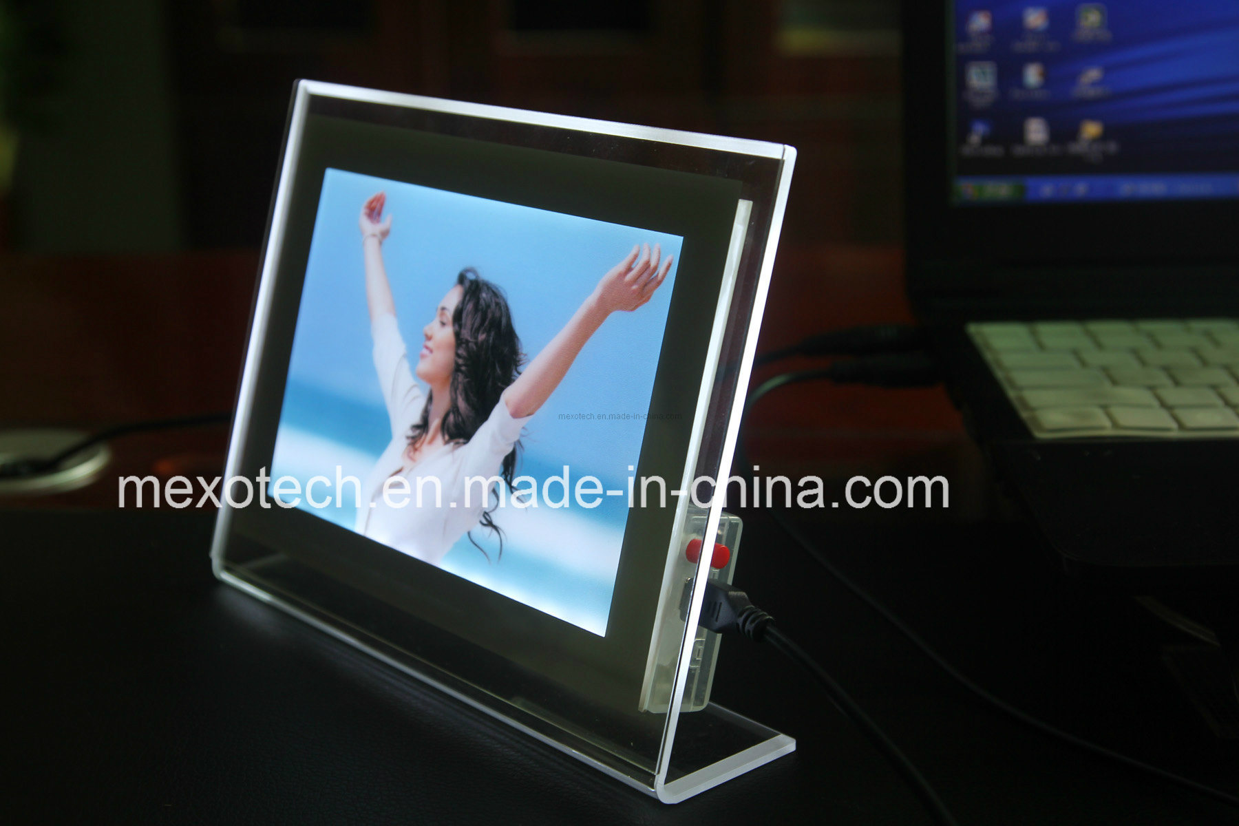 Table-Top Crystal Acrylic Photo Frame with Magnet (CST03)