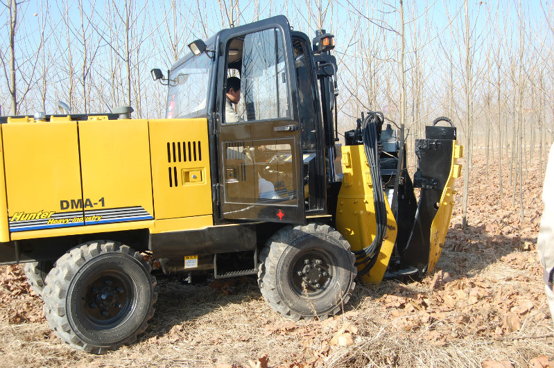 Tree Transplanter Fixed on Wheel Loader