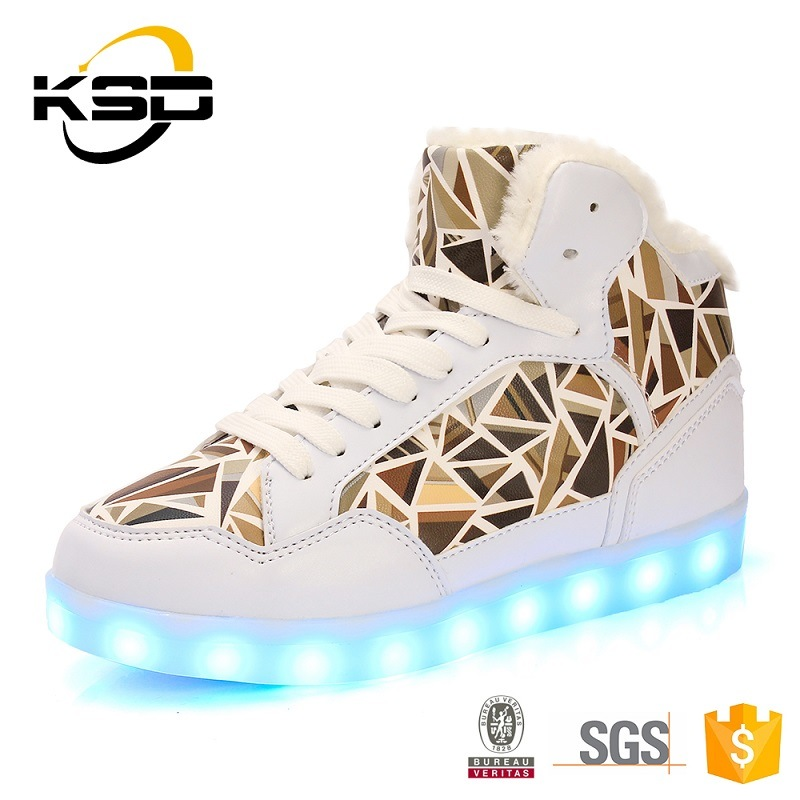 Jinjiang Manufacturer Wholesale Comfortable LED Light up LED Shoes Snow Boots