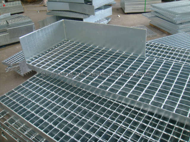 China toe plate steel grating photos pictures made in for Catwalk flooring