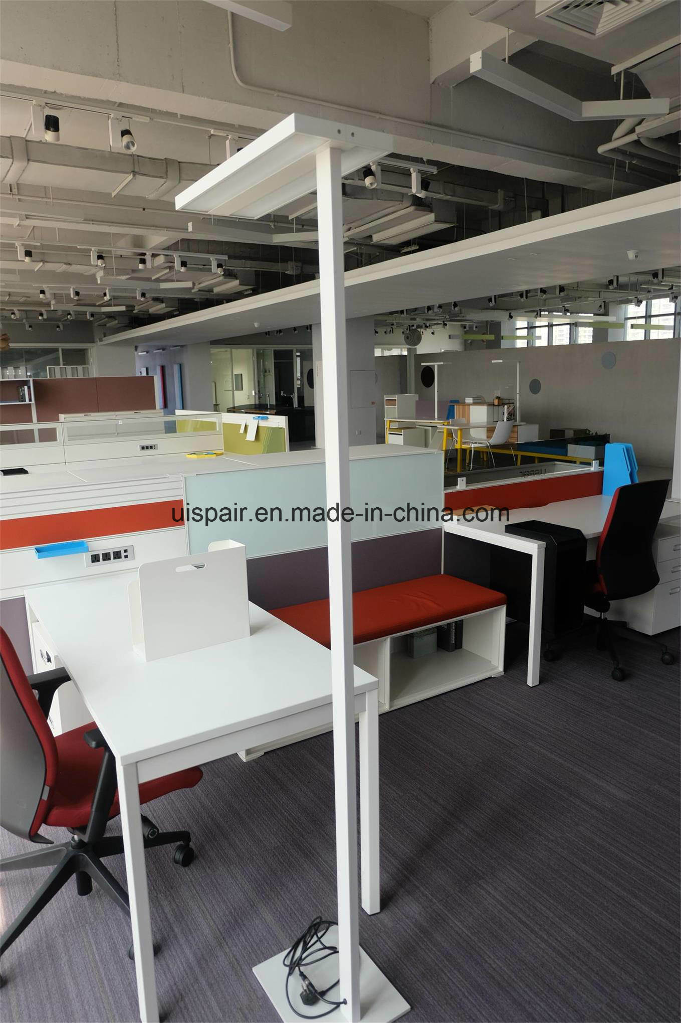 Guangzhou Uispair Modern Office 10W 32V Thin Rectangular Steel Base Aluminium Alloy LED Lamp Floor Lamp