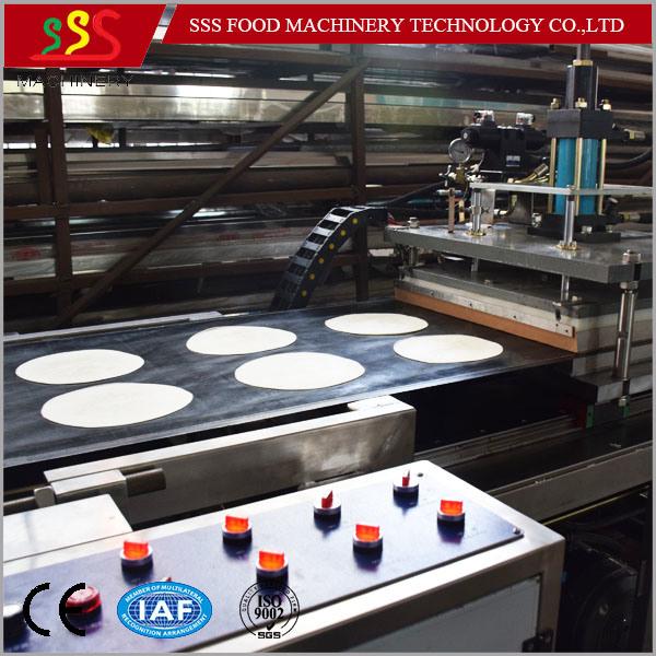 China Manufacturer Hand Cake Maker Egg Pie Kubba Machine Pancake Making Machine Pastry Production Line