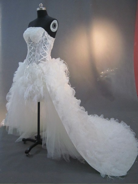 China feather front short and long back wedding dress for Short feather wedding dress