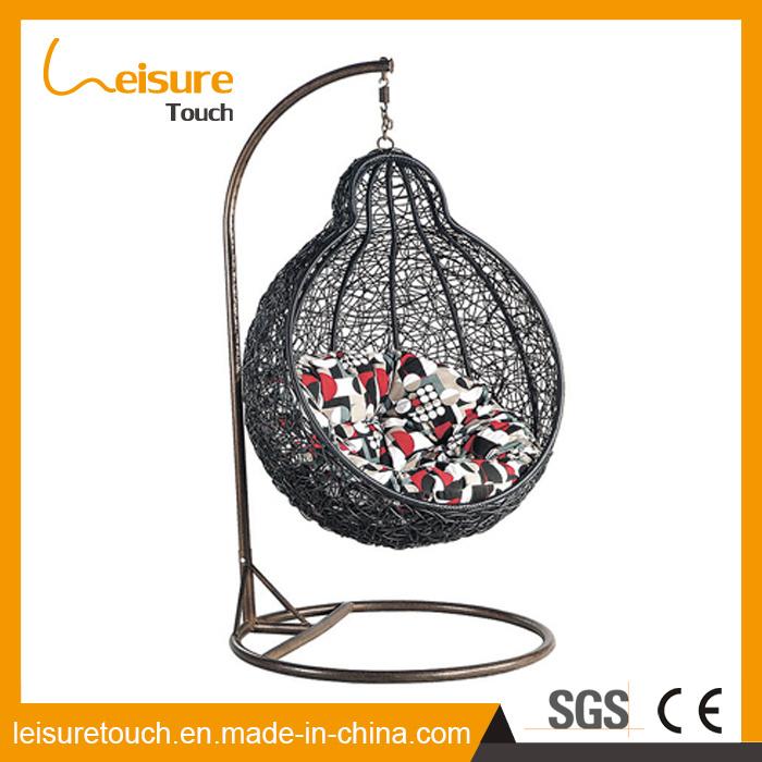 High Quality Hanging Chair SGS PE Rattan & UV Resistant Fabric Cushion Swing Chair