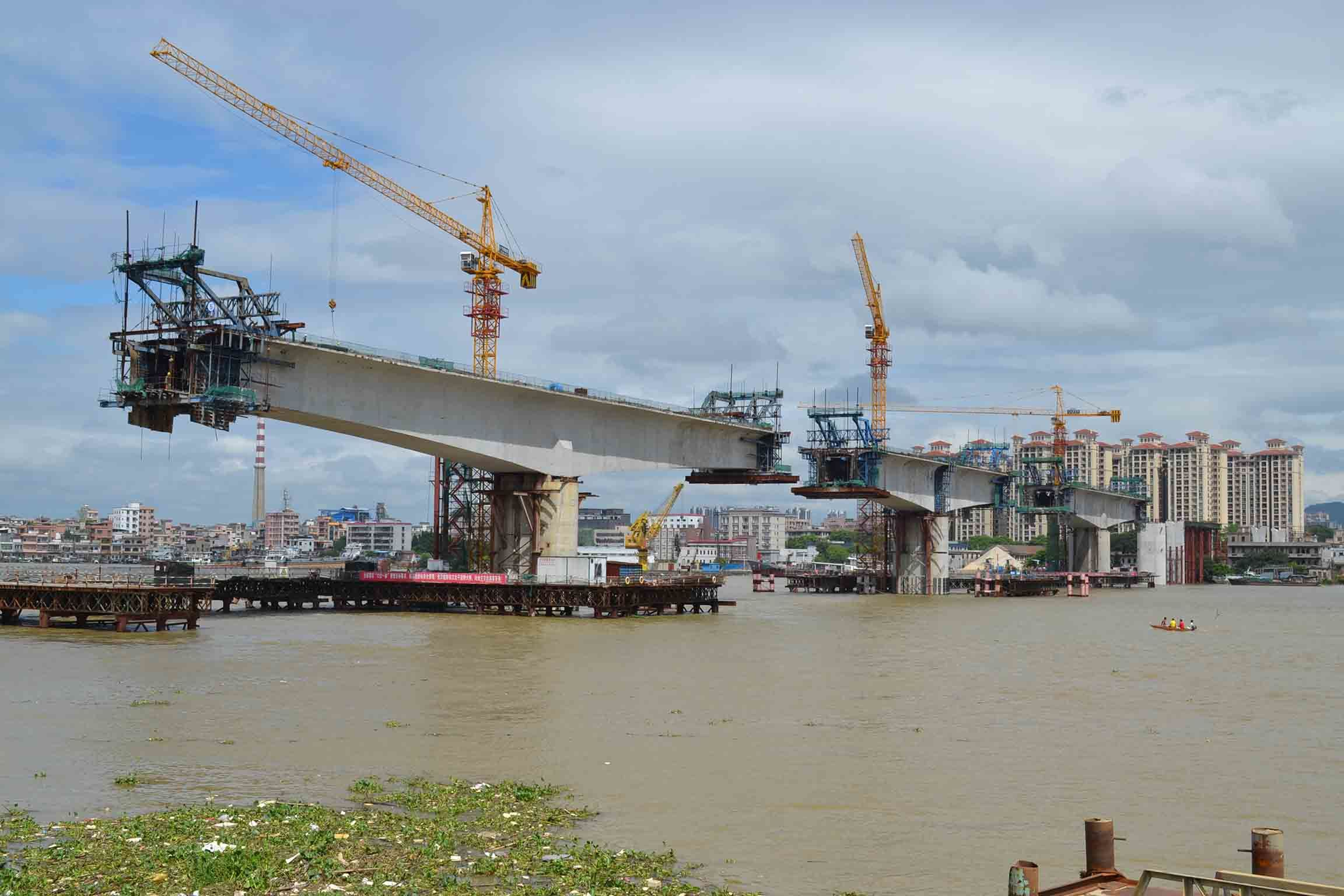 6t Qtz80 (TC6013B) and Maximum Height of 210m Construction Crane