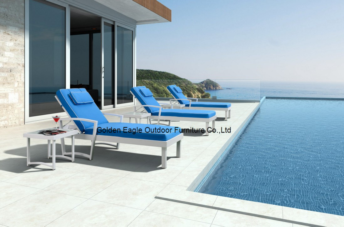 Beautiful Outdoor Sun Chaise Lounge with Aluminum Frame