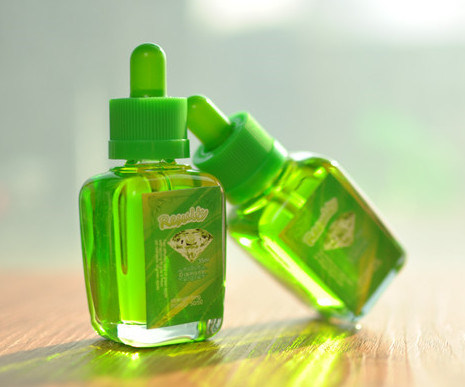 Vaporizer E-Liquid, More Than 1000 Flavors E-Liquid Certificated by Tpd FDA UPS MSDS ISO9001
