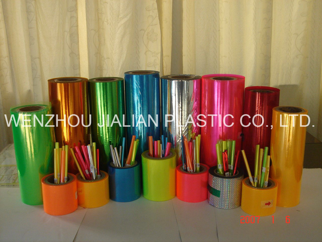 Twist Colorful PVC Film for Candy Chocolate Packaging