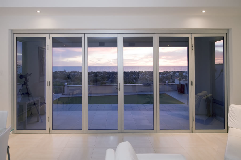 China aluminum swing patio door photos pictures made for Aluminium patio doors