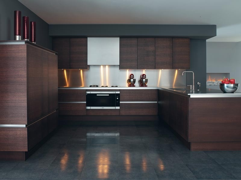 China wood veneer kitchen cabinet verona china kitchen for Veneer for kitchen cabinets