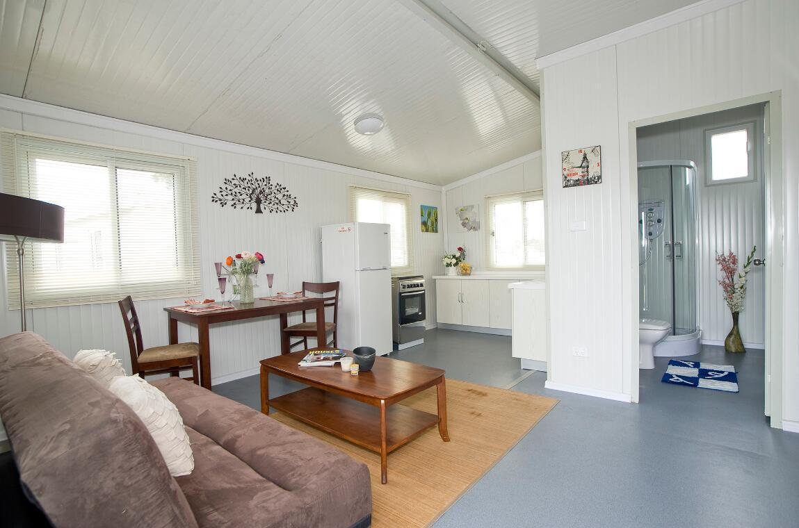 Living 40FT Container House with Bathroom