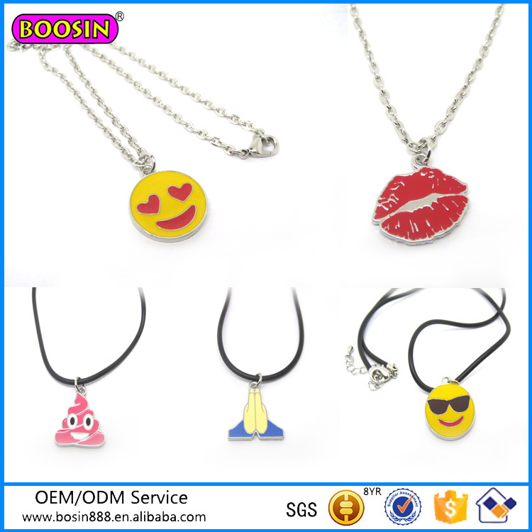 2016 New Products Top Designs Fashion Necklace Emoji Necklace