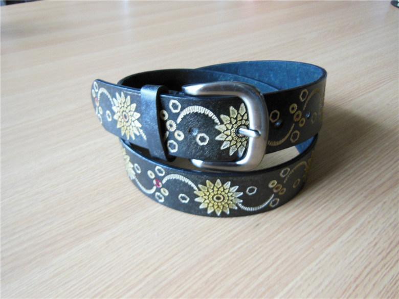 Newest Women′s Embossed Belt PU Belt -Jbe1611