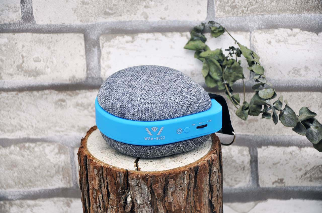 2017 New Hot Selling Outdoor Portable Mini Wireless Fabric Bluetooth Speaker