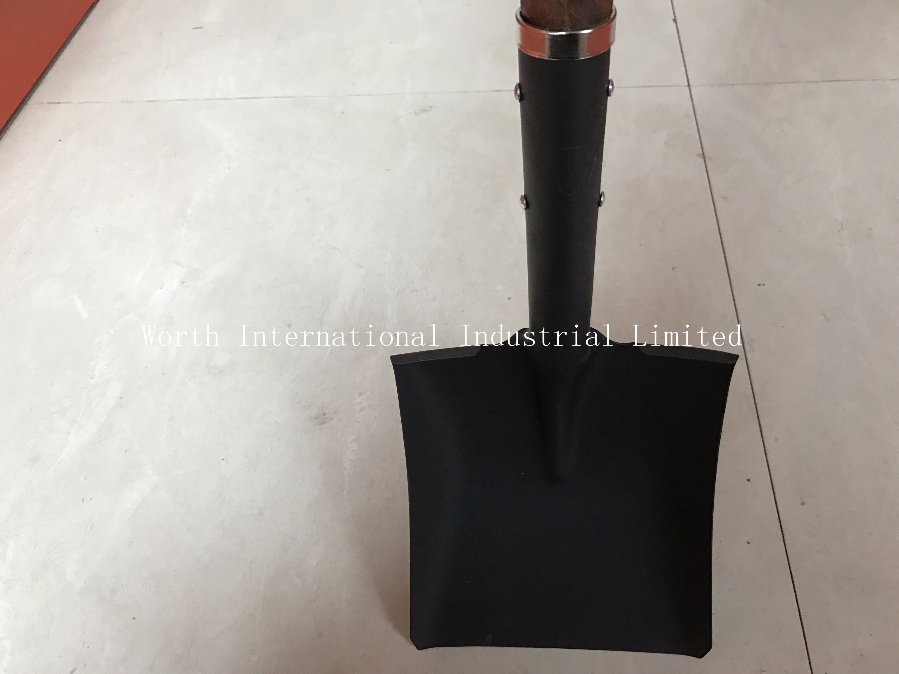 Long Wood Handle Square Shovel for Qatar