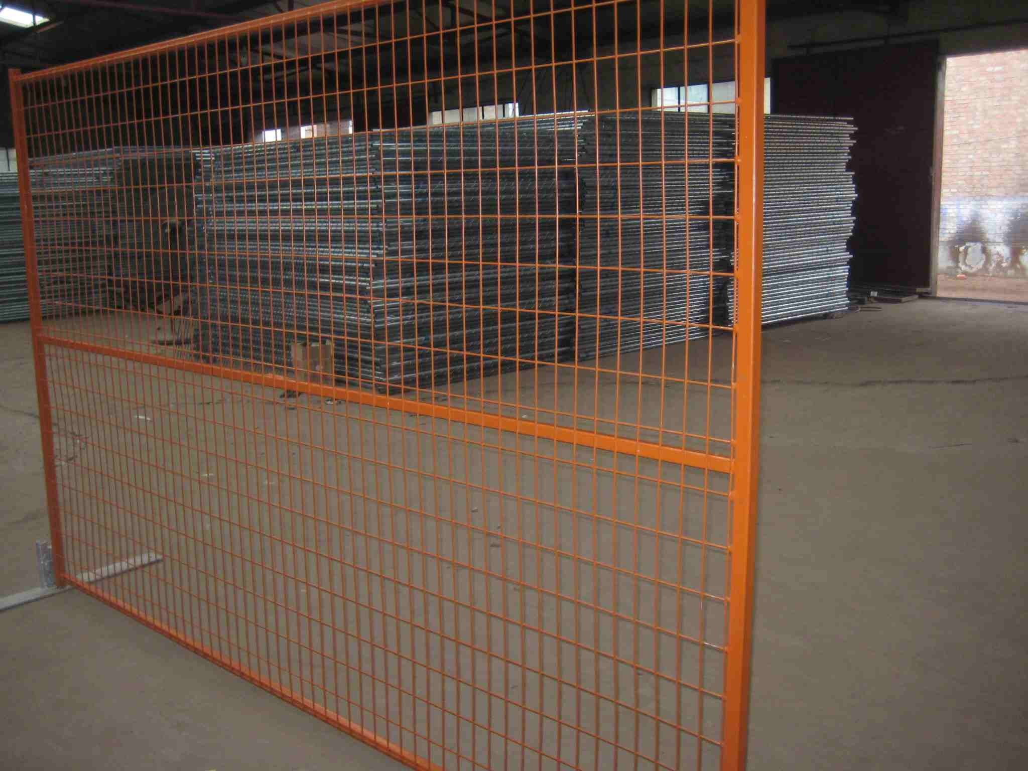 Factory Supply High Quality Farm Gate/Bar Gate/Welded Mesh Gate