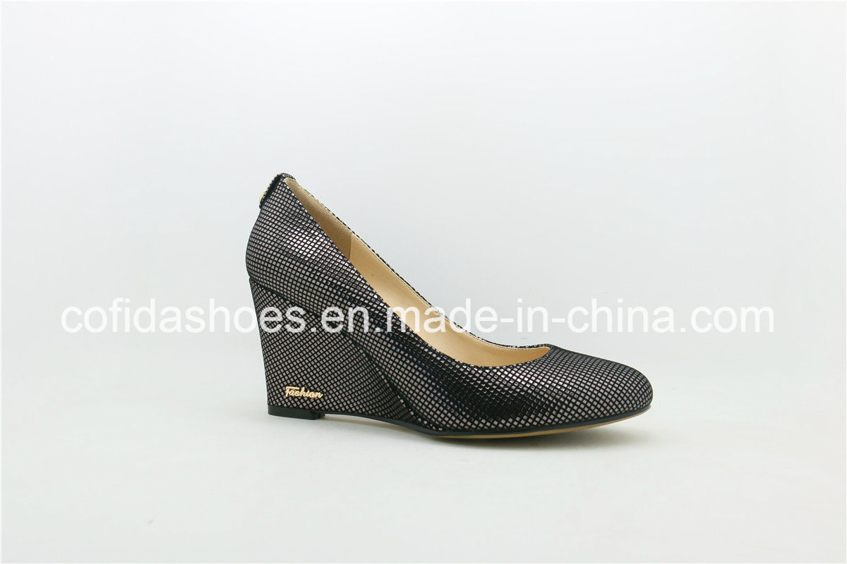 Comfortable Classic Lady Wedge Shoes with Simple Design