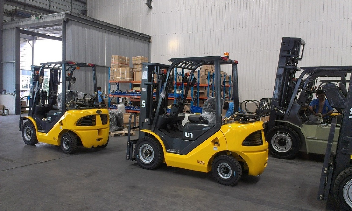 Un Capacity 3500kg 3.5t Gasoline and LPG Dual Fuel Forklift with Original Japanese Imported Nissan K25 Engine