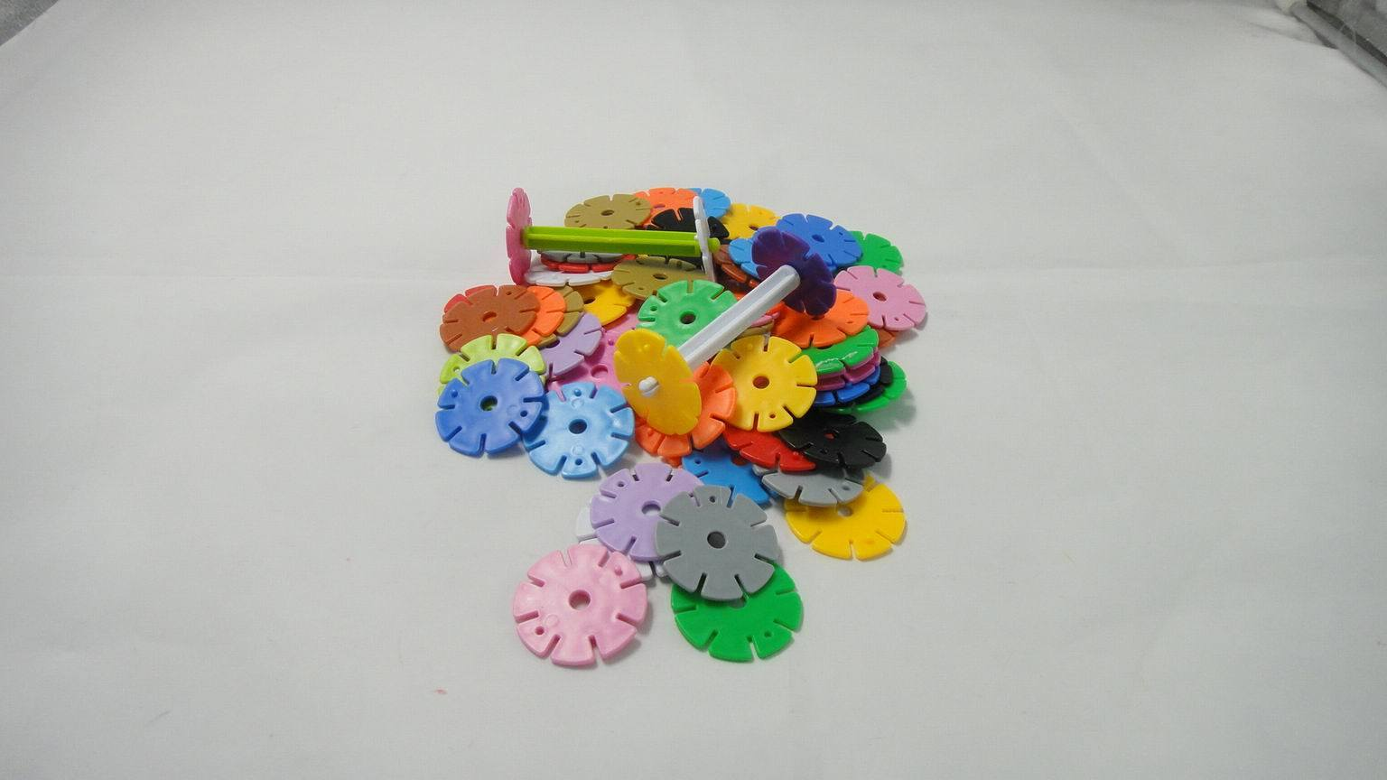 Snowflake Building Blocks Plastic Toy