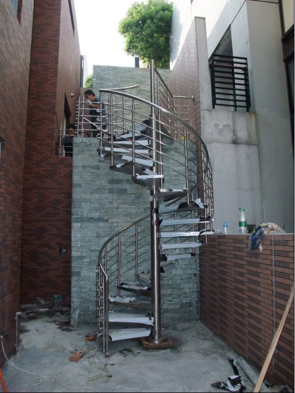 China Stainless Steel Outdoor Spiral Stair Staircase