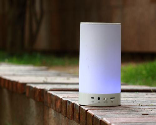 2016 Newest Customized 7 Colors Outdoor Portable Mini Speaker (OITA-2003)