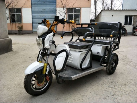 Popular Electric Tricycle for Passenger with Ce Approval