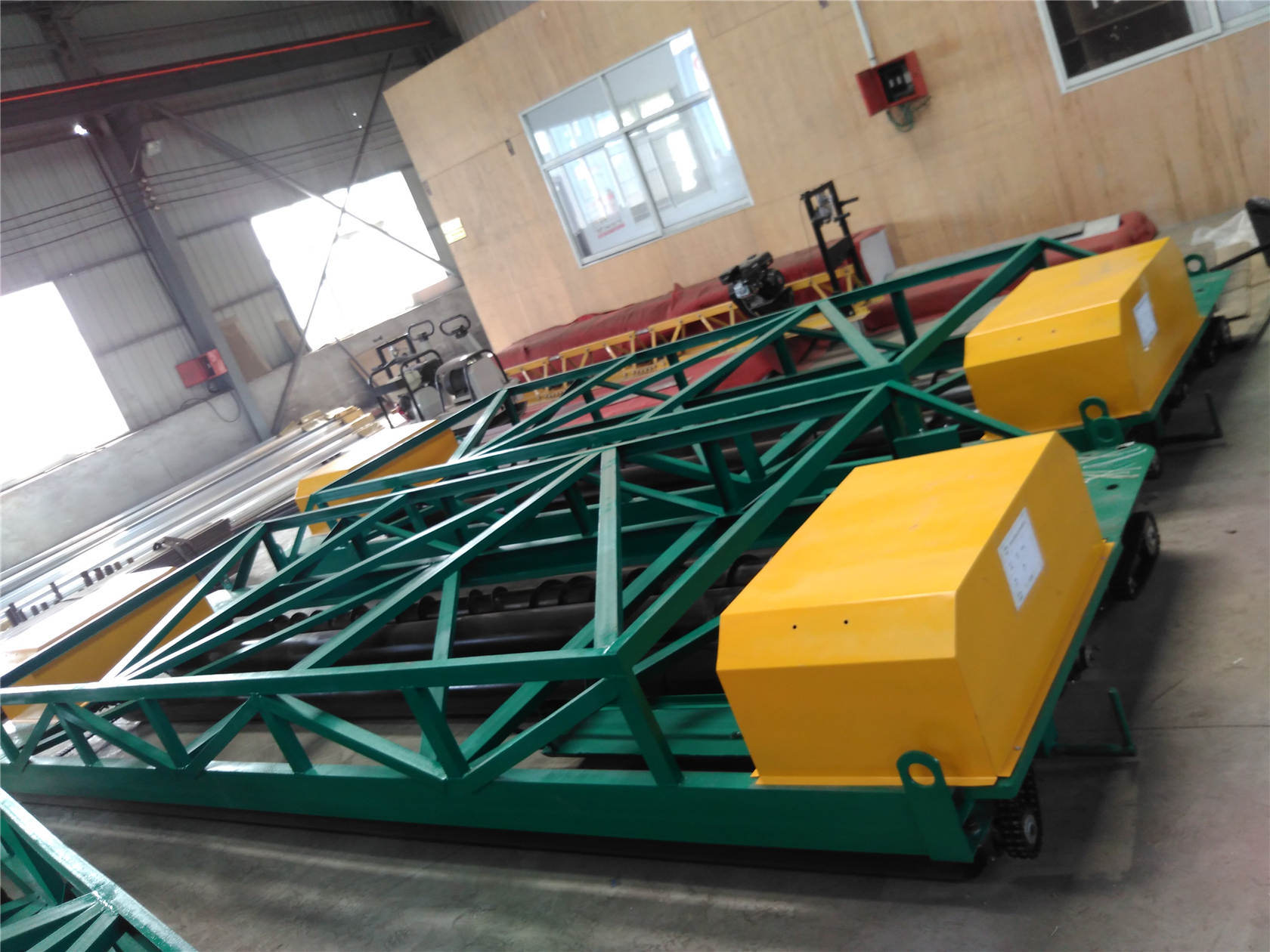 Screed Fixed Form Vibrator/Concrete Finisher Paver/Concrete Paving Roller