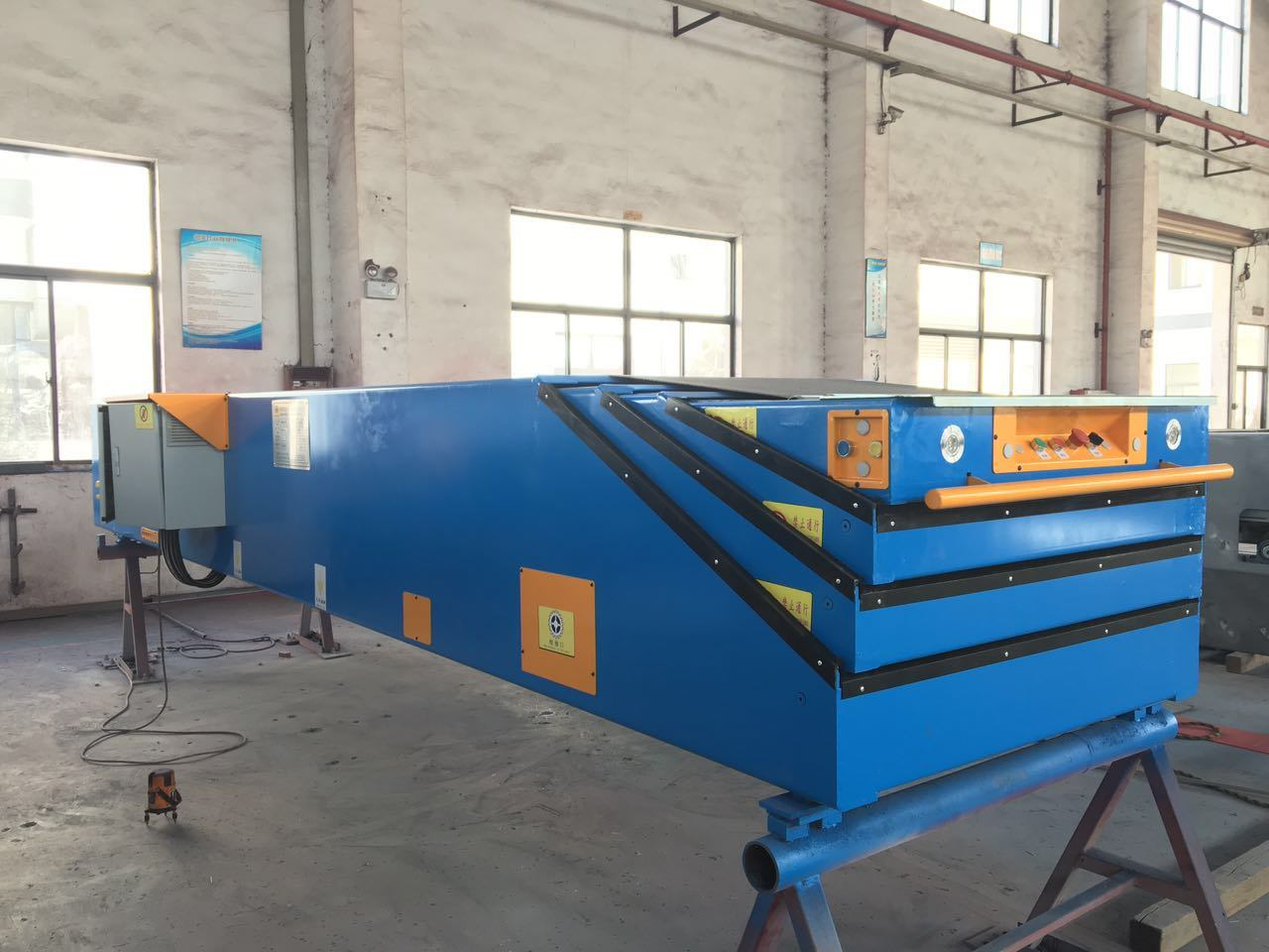 Telescopic Belt Conveyor/Boom Conveyor with Ramp
