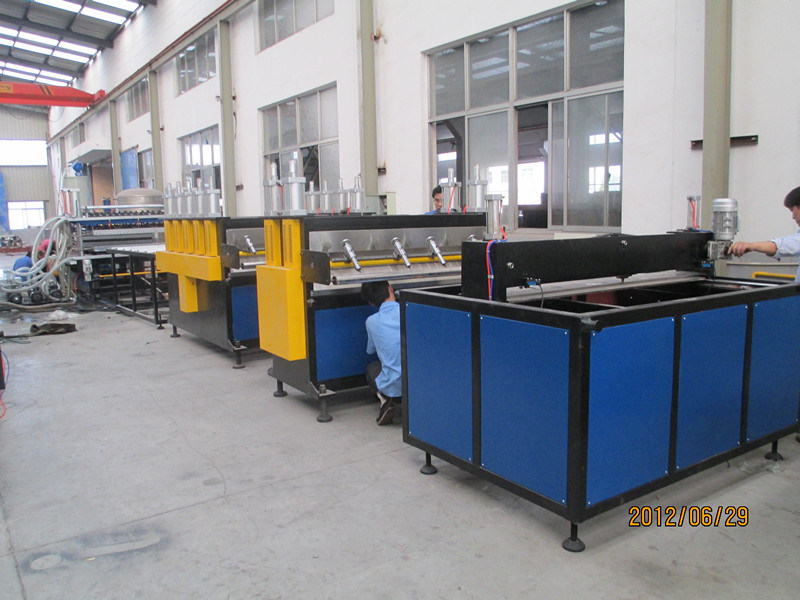 PC PE PP Hollow Sheet Making Machine