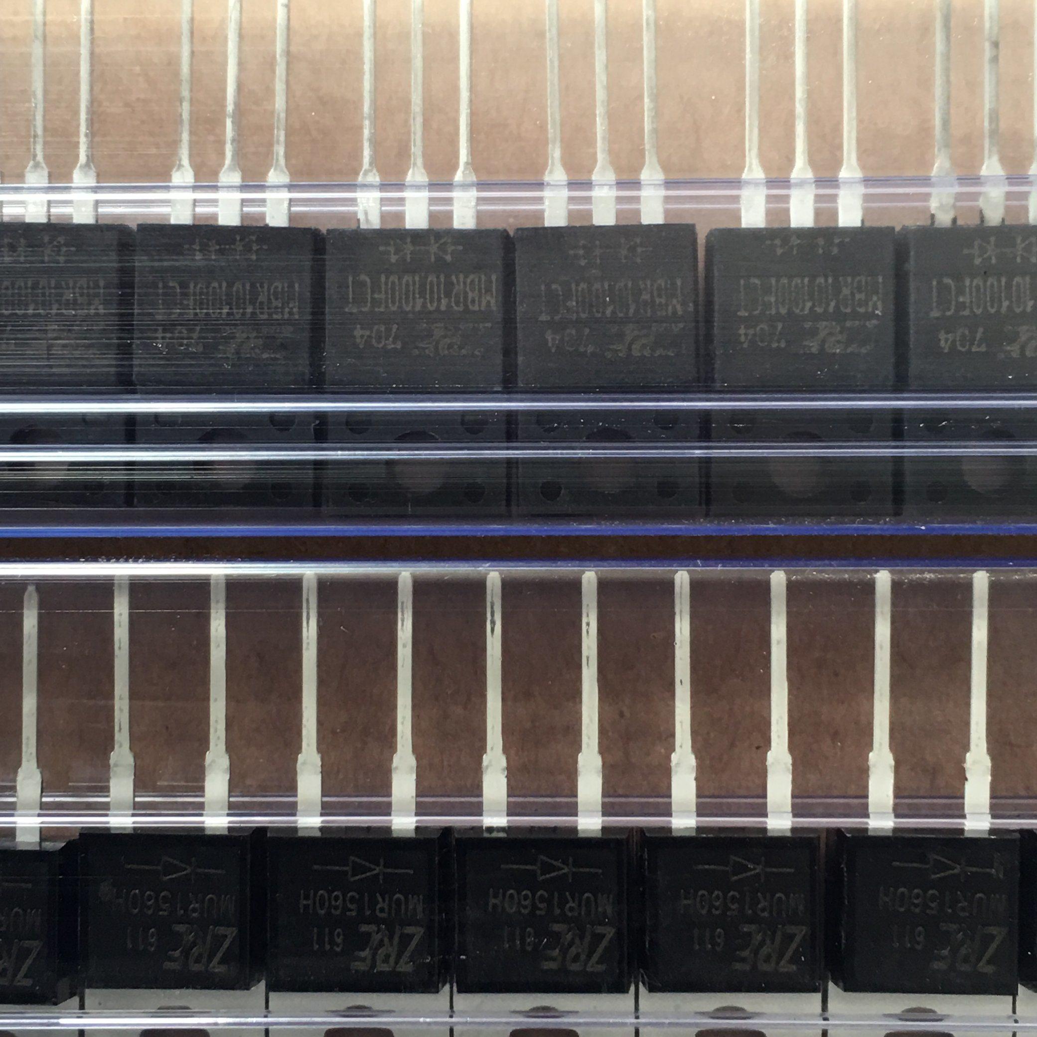 8A Sr840 (F) Thru Sr8200 (F) Schottky Barrier Rectifiers ITO-220AC