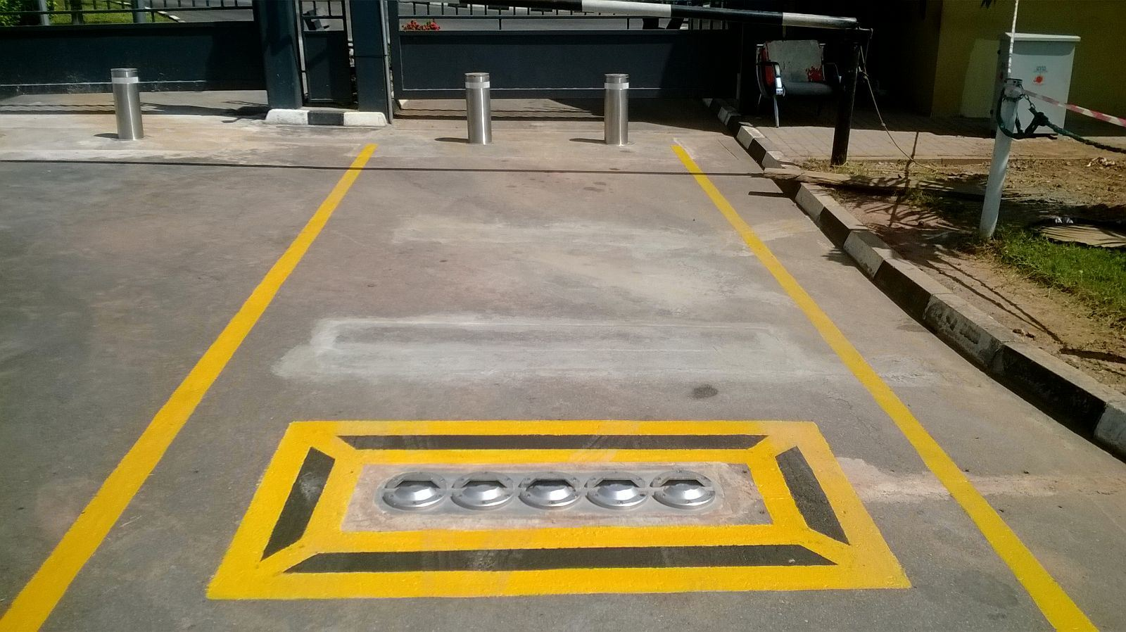 Security Use Under Vehicle Inspection System