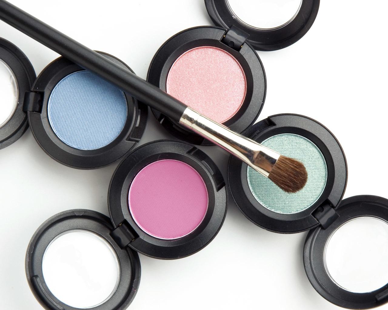 2017 Popular Single-Colored Eye Shadow Sweatproof Brimming Eye Shadow