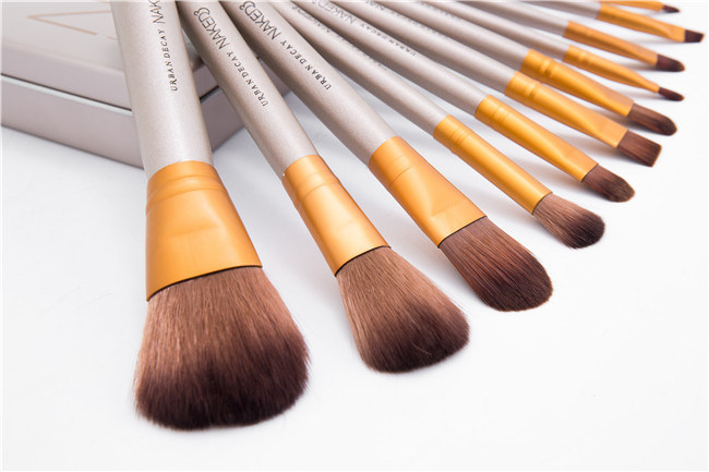 12PCS Stock Wholesale 12PCS Natural Hair Professional Makeup Brush Set