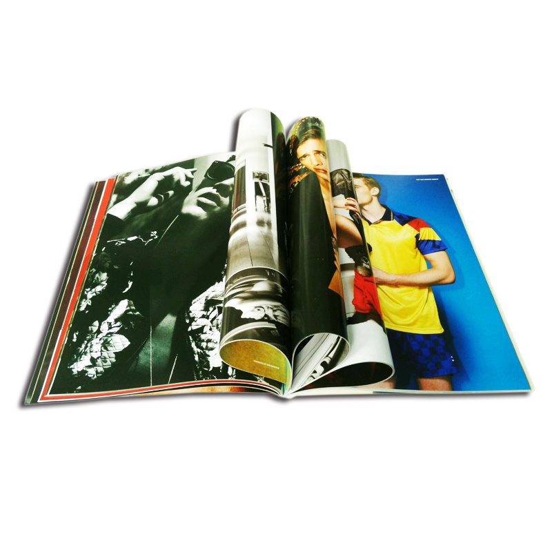 2017 High Quality Custom Fashion Softcover Magazine Printing