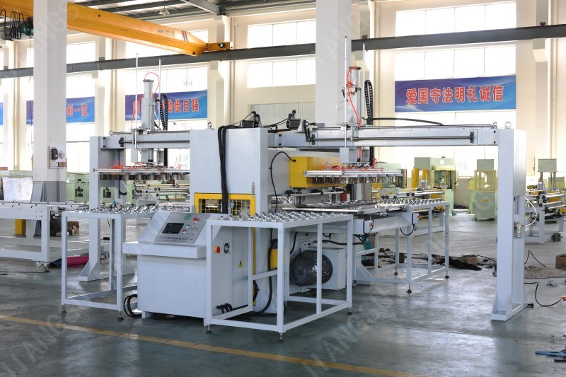 Full-Automated Bilateral Cutting Machine with Manipulator