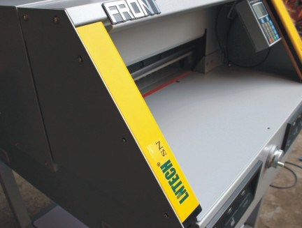 Electrical Paper Cutter with Type 4 Safety Curtain (FN-4806RX)