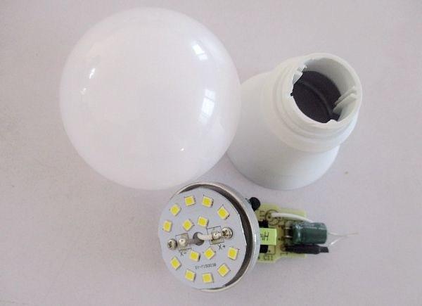 Made-in-China LED Bulb Light LED Lamp 5W LED Bulb SMD2835