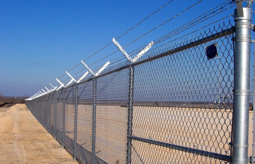 High security razor wire chain link fence