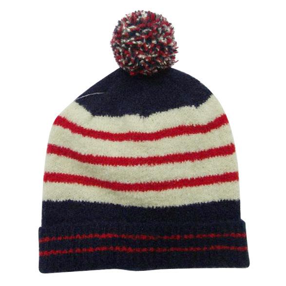 De hoed van de strepen van het garen van de rek met pompom op bovenkant de hoed van de strepen - Geloof hars ...