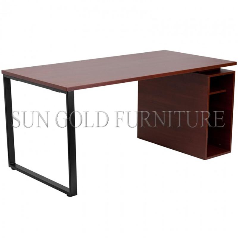 Foto de mesa barata pequena branca do computador de for Mesa escritorio barata