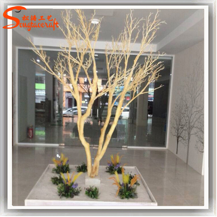 Arbre blanc artificiel de d coration d 39 int rieur for Arbres artificiels interieur