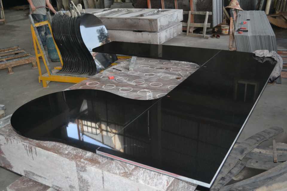 Competitiva granito negro para encimera de baldosas for Baldosas de granito